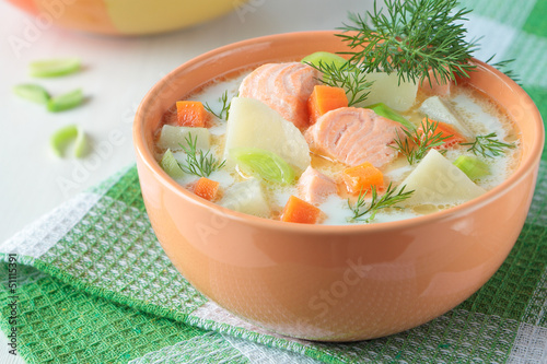 Salmon soup with cream - 51115391