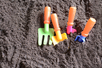 砂場のスコップ