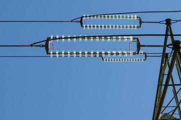 traliccio elettrico dettaglio isolatori vetro