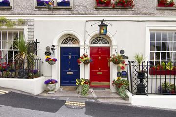 Kinsale, Doors