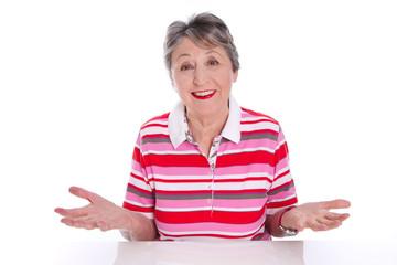 Zufriedene alte Frau - Lebensweisheit