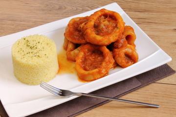 Calamar en salsa con cuscús