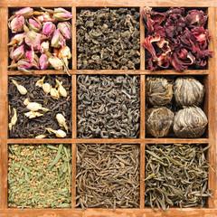 Assorted tea in wooden box - (manual focus)