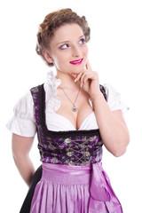 Junge Frau im Dirndlkleid - isoliert - typisch bayerisch