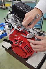 汎用エンジンの整備