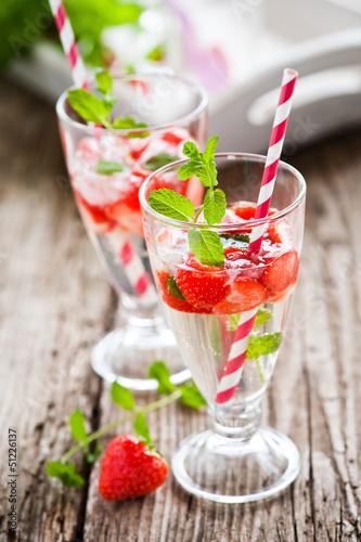 fruchtige erdbeerbowle