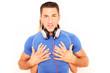 junger Sportler mit Kopfhörern