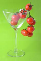 Cascade de tomates cerise bio verre à pied