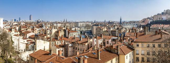vue panoramique de Lyon de Fourvière au crayon