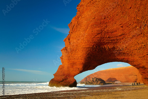 Aluminium Marokko Red archs on atlantic ocean coast. Marocco