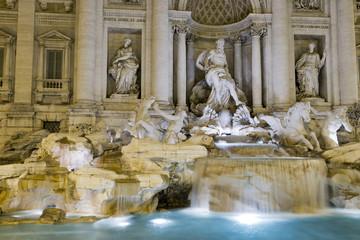 Rome Fountain di trevi night view