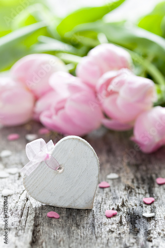 Herz und Tulpen
