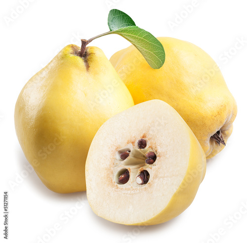 Quince with slices.