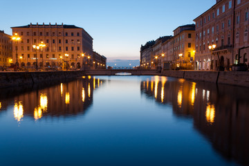 Trieste, Ponte Rosso