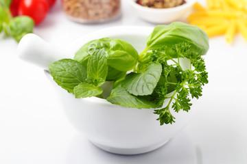 herbs and spices - Kräuter und Gewürze