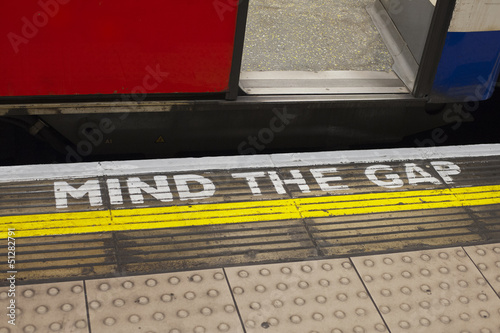 Tube Mind The Gap - 51282791