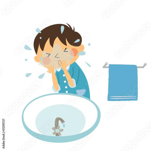 洗顔する男の子