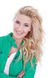 Blonde Traumfrau isoliert mit langen Haaren