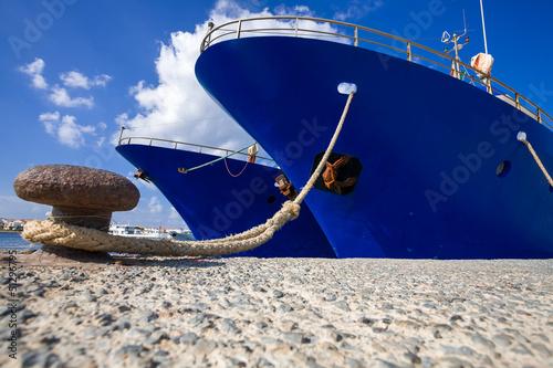 Leinwanddruck Bild Navi Ferme al porto