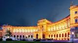 Vienna at night - Hofbur, time lapse
