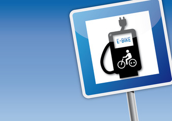e-bike Tankstelle Schild mit Himmel