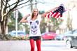 junge Frau mit amerika Flagge