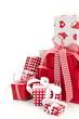 Weihnachtsgeschenke in Rot und Weiß isoliert