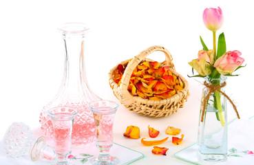 Rosenwasser, Rosenblütenlikör