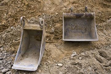 Deux godets d'excavatrice