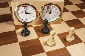 Schach Bauern vor der Schachuhr