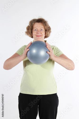 ältere Frau mit Vibraball