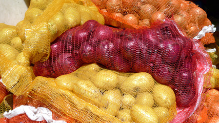 pommes de terre et oignons en filet