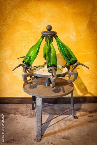 Antigua encorchadora de botellas