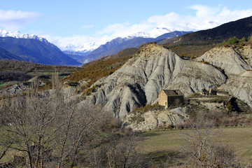 rocky shapes in the pyrenees (Huesca)