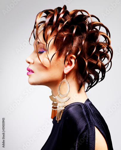 Portrait of rhe beautiful woman with fashion  hairstyle