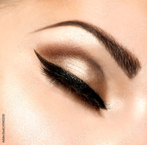 Beautiful Eyes Retro Style Make-up