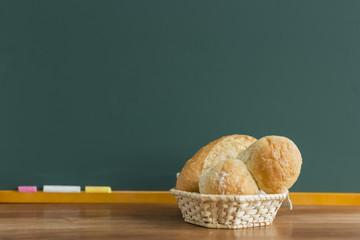 黒板とパン