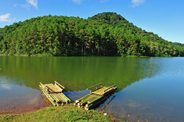 Bamboo raft on Pang Ung reservoir lake, Mae Hong son, Thaialand.