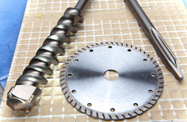 The tool -  Nozzle for the puncher and a  disk