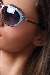 dettaglio di occhiali da sole