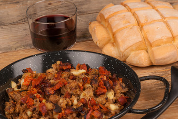 Migas with red wine