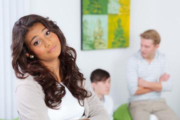 teenager ist genervt von den jungs