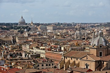 Blick über Rom zum Petersdom