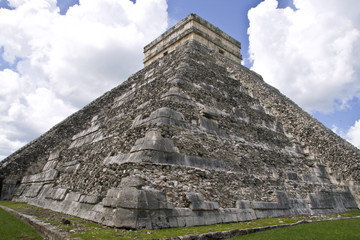 El Castillo in Chichen Itza ruins, Mexico