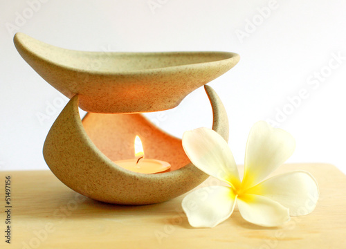 Aromatherapy lamp with flower and candle