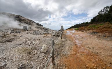 strada tra i geyser a Monterotondo a Grosseto