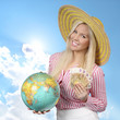 Frau mit Globus und Banknoten - woman with globe and money