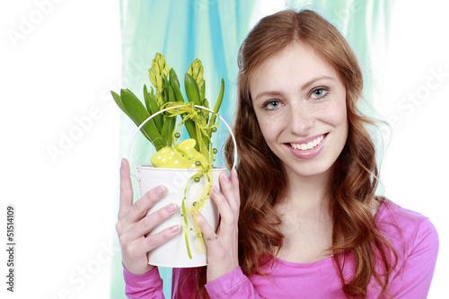Junge Frau mit Hyazinthe - woman with hyacinth