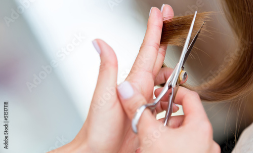 Cutting split ends of the hair