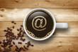 Kaffeetasse mit @-Symbol